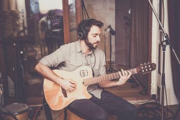 Frédéric Lepaffe - Guitare, chant, compositions